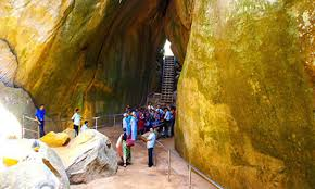 Edakkal Caves call taxi